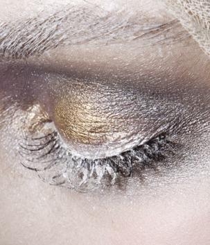 silver eyedshadow