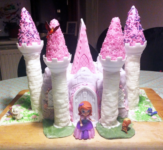 castle cake - sofie the first